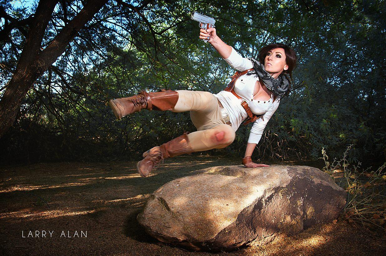 Uncharted 4 Cosplay Photo 2
