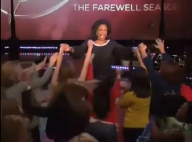 Oprah gives Xbox 360 Kinect to entire audience!