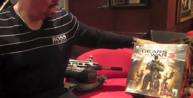 Gears of War 3 Unboxing by Ice T