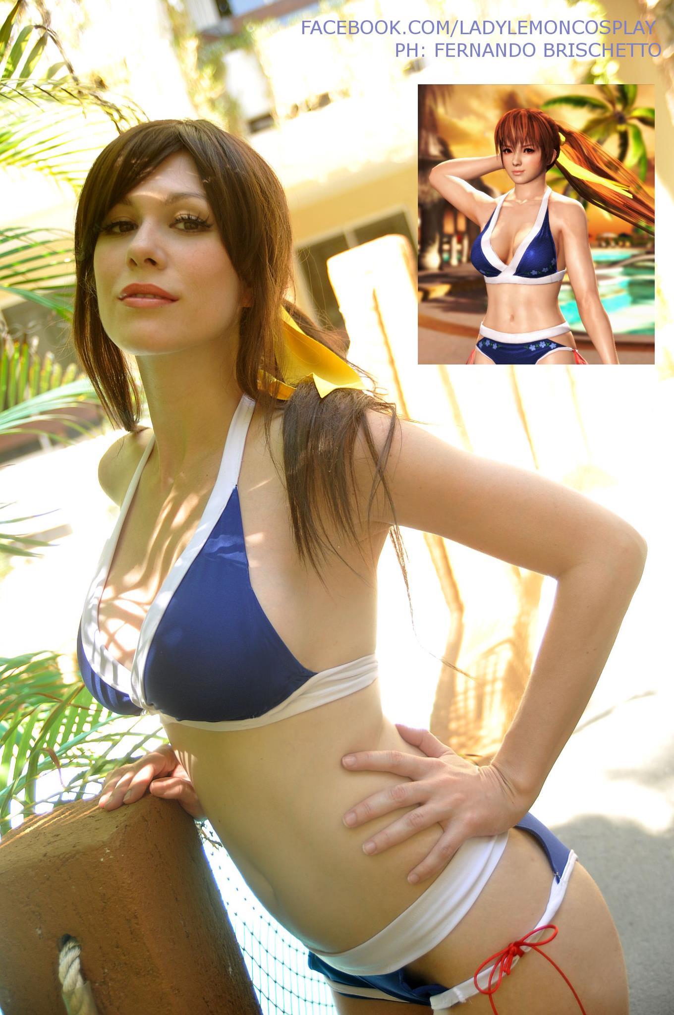 Kasumi Bikini Cosplay