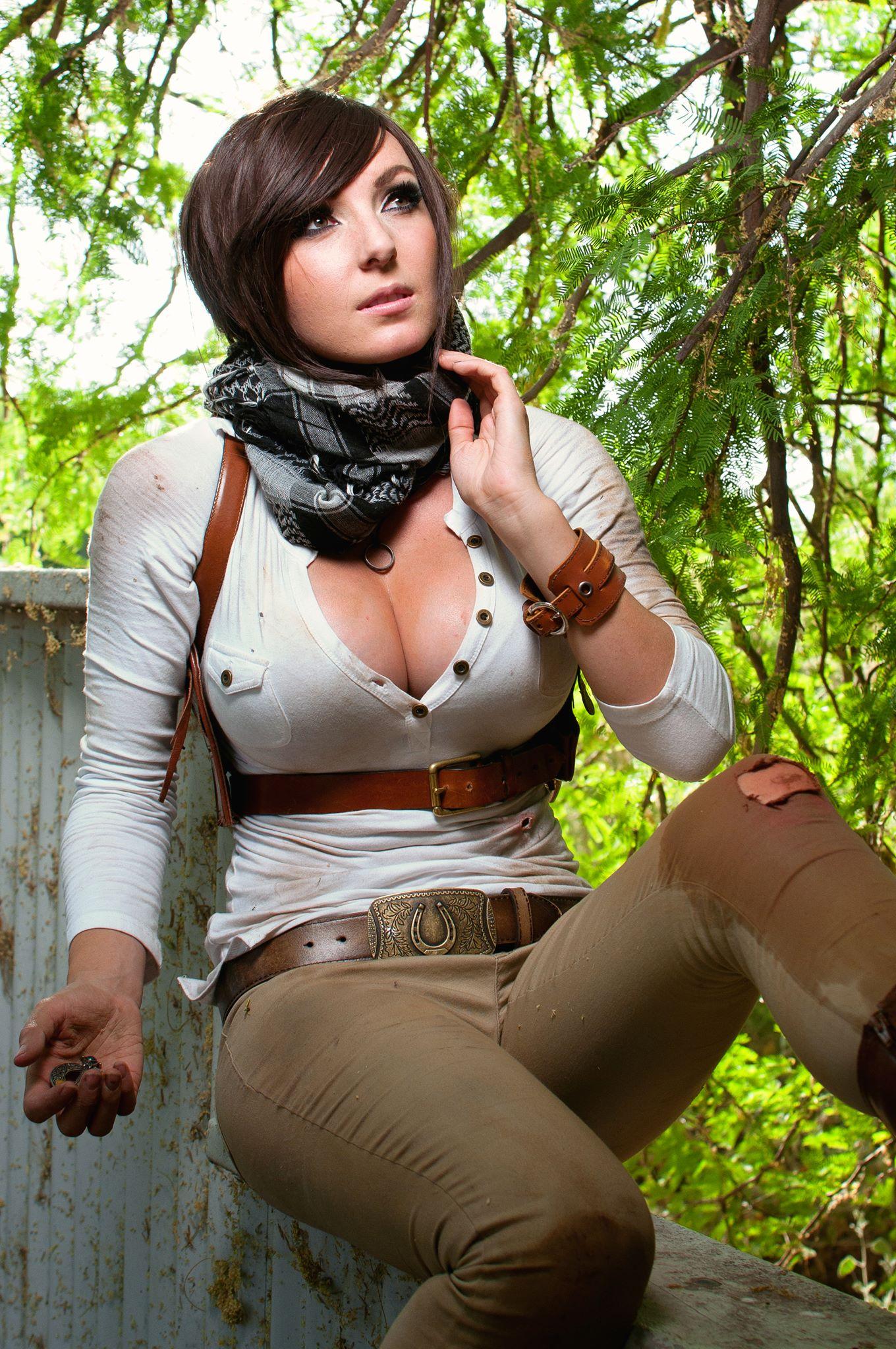 Uncharted 4 Cosplay Photo 15