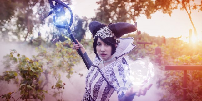 Dragon Age Inquisition: Vivienne Cosplay Photo 2
