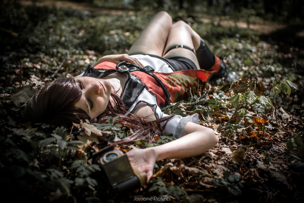 Fatal Frame V Yuuri Cosplay Sleeping In the Darkness STarring Dragomyra by Jaysome Pictures