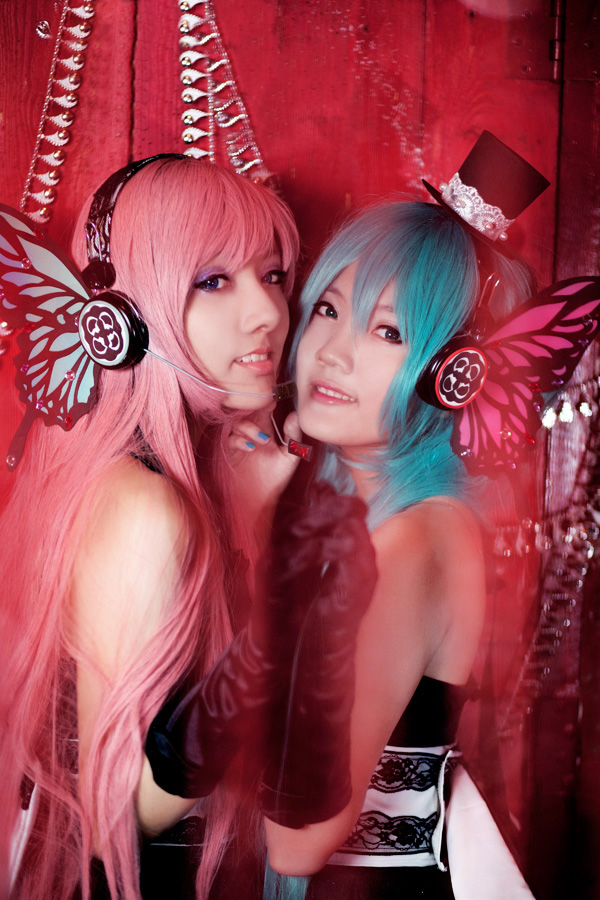 Miku Luka Cosplay Tonight We Sing Starring Nyaomeimei and Meiji0805 by Keiham