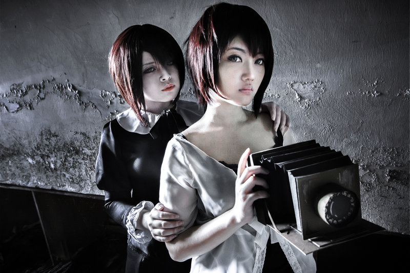 Fatal Frame 4 Cosplay After Ten Years Miya and Misaki Starring Nattokan and Cresaya by Michotehinrainbow