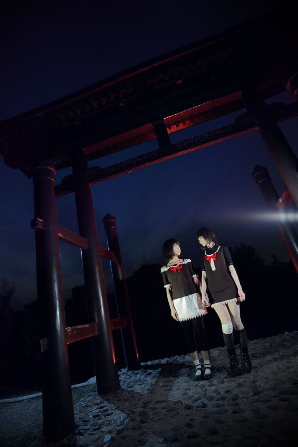 Fatal Frame 2 Cosplay Arch of Doom Mio Mayu by Sakin666 and Sara1789