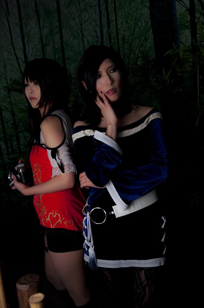 Fatal Frame 5 Cosplay Back to Back Yuuri and Hisoka by Aoi Takamura