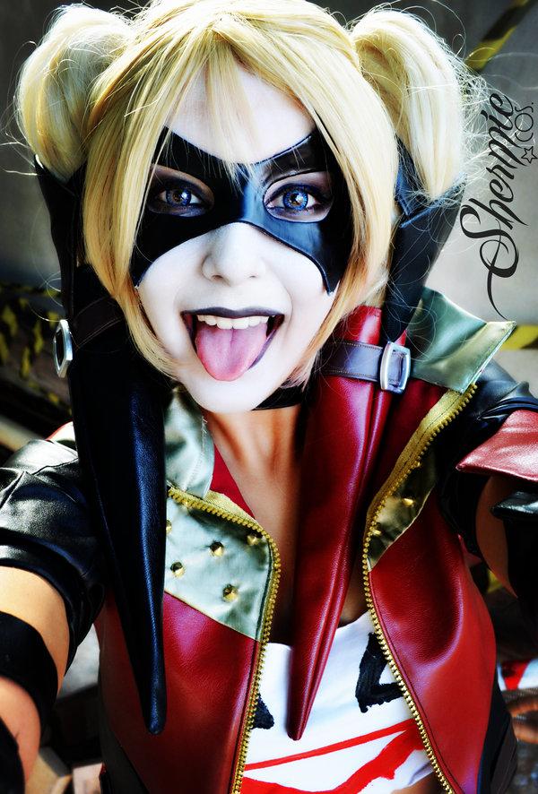 Harley Quinn Cosplay Shermie Hee Hee Selfie by Victor Hugo